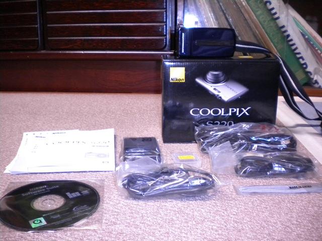 デジカメ購入「Nikon COOLPIX S220」
