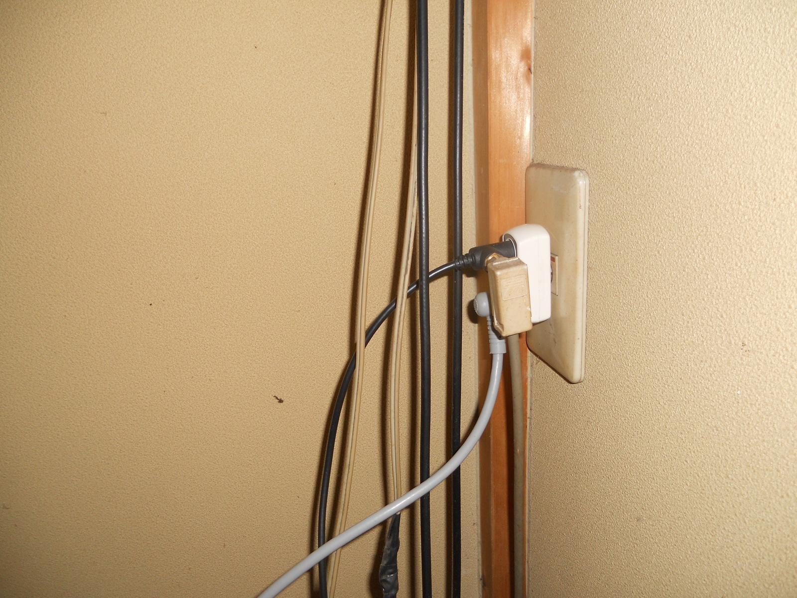 2011年の年末大掃除[2] – ブルーレイレコーダーにアンテナ配線!